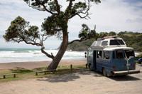 Van et plage Nouvelle-Zélande