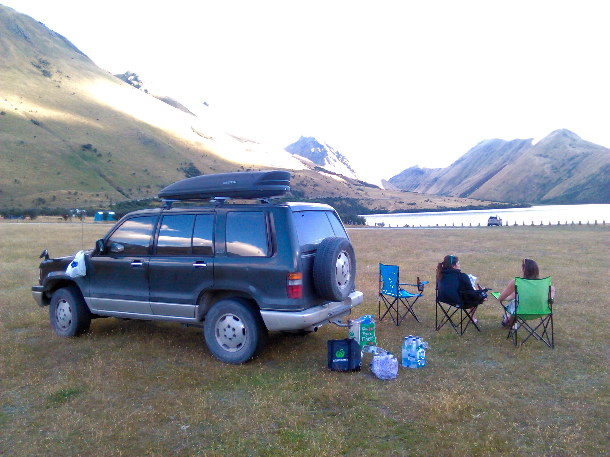 camper 4x4 avec coffre de toit et lit convertible frogs in nz. Black Bedroom Furniture Sets. Home Design Ideas